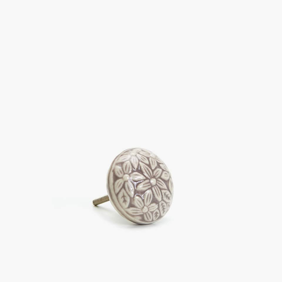 DOOR KNOB WITH RAISED FLORAL DESIGN (SET OF 2)
