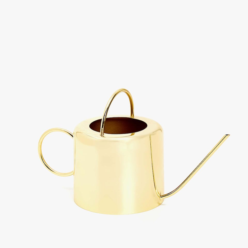 WATERING CAN DECORATIVE PIECE