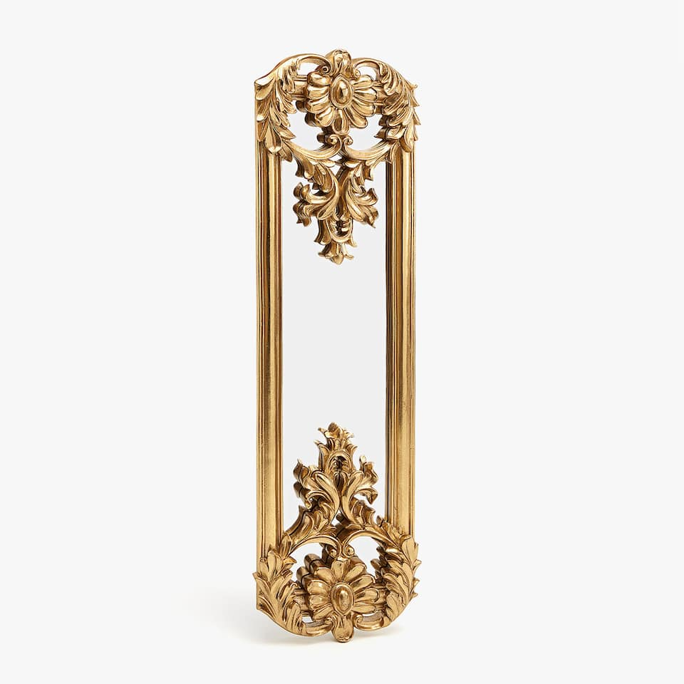 Long mirror with gold details