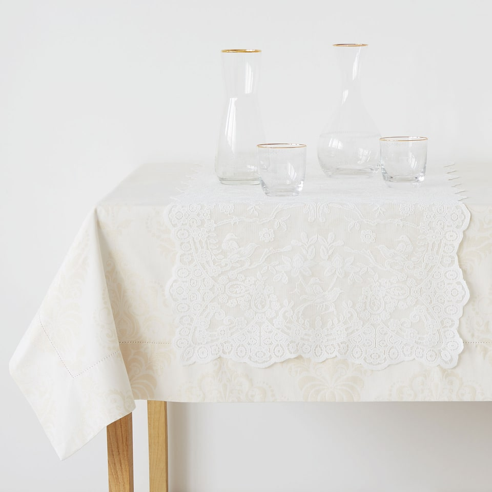 Ecru lace-trimmed table runner