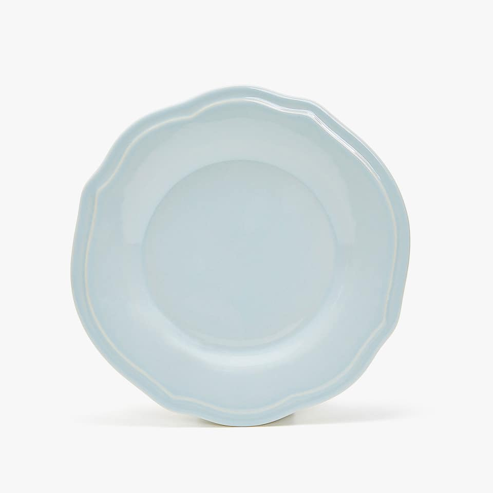 STONEWARE DINNER PLATE WITH RAISED-DESIGN RIM