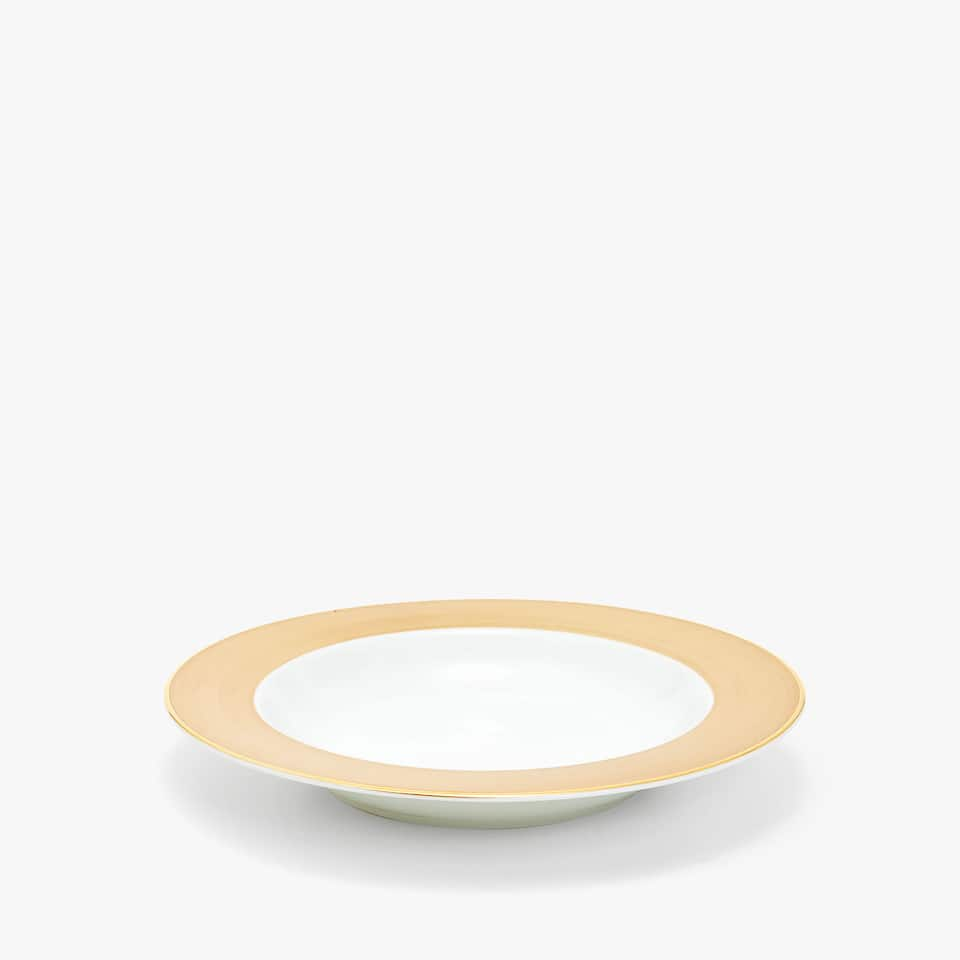 MATTE SOUP PLATE WITH WIDE RIM