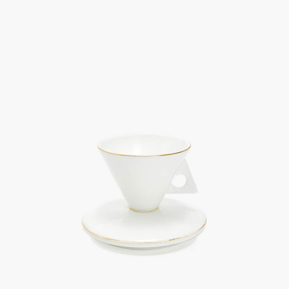 CONE-SHAPED COFFEE CUP AND SAUCER
