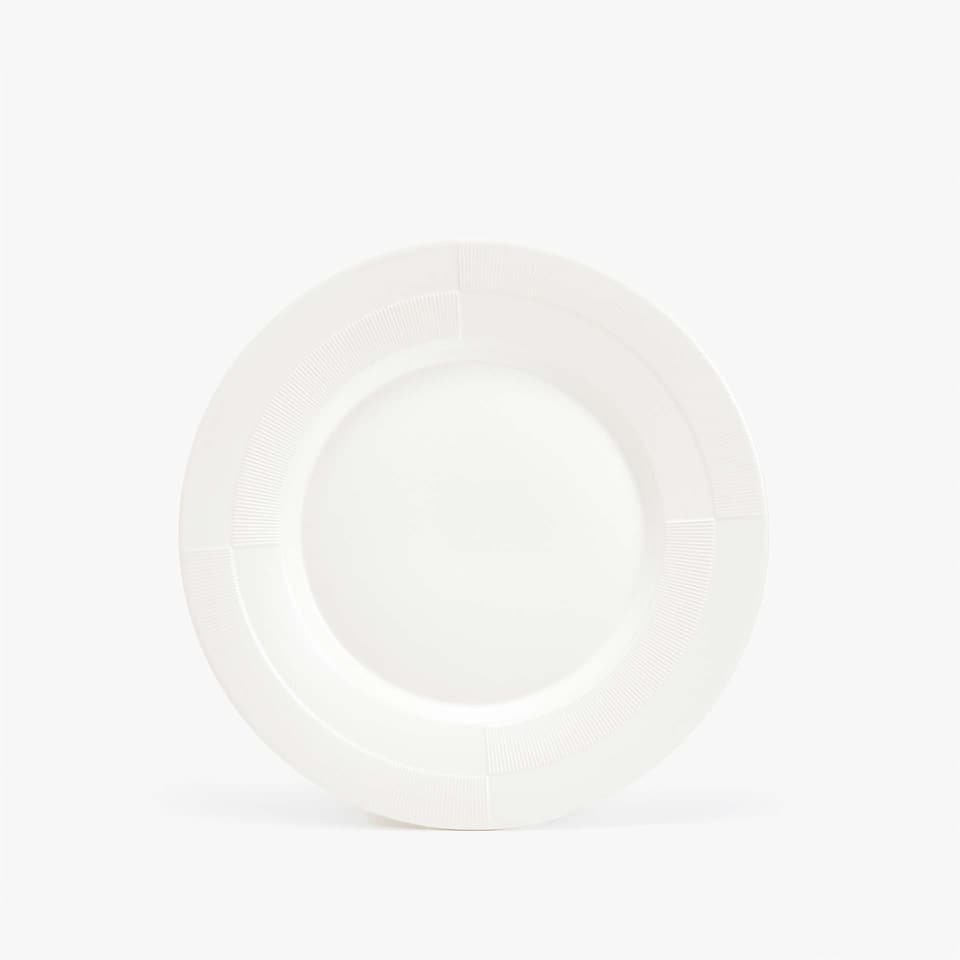 MATTE STONEWARE DESSERT PLATE WITH RAISED-DESIGN RIM