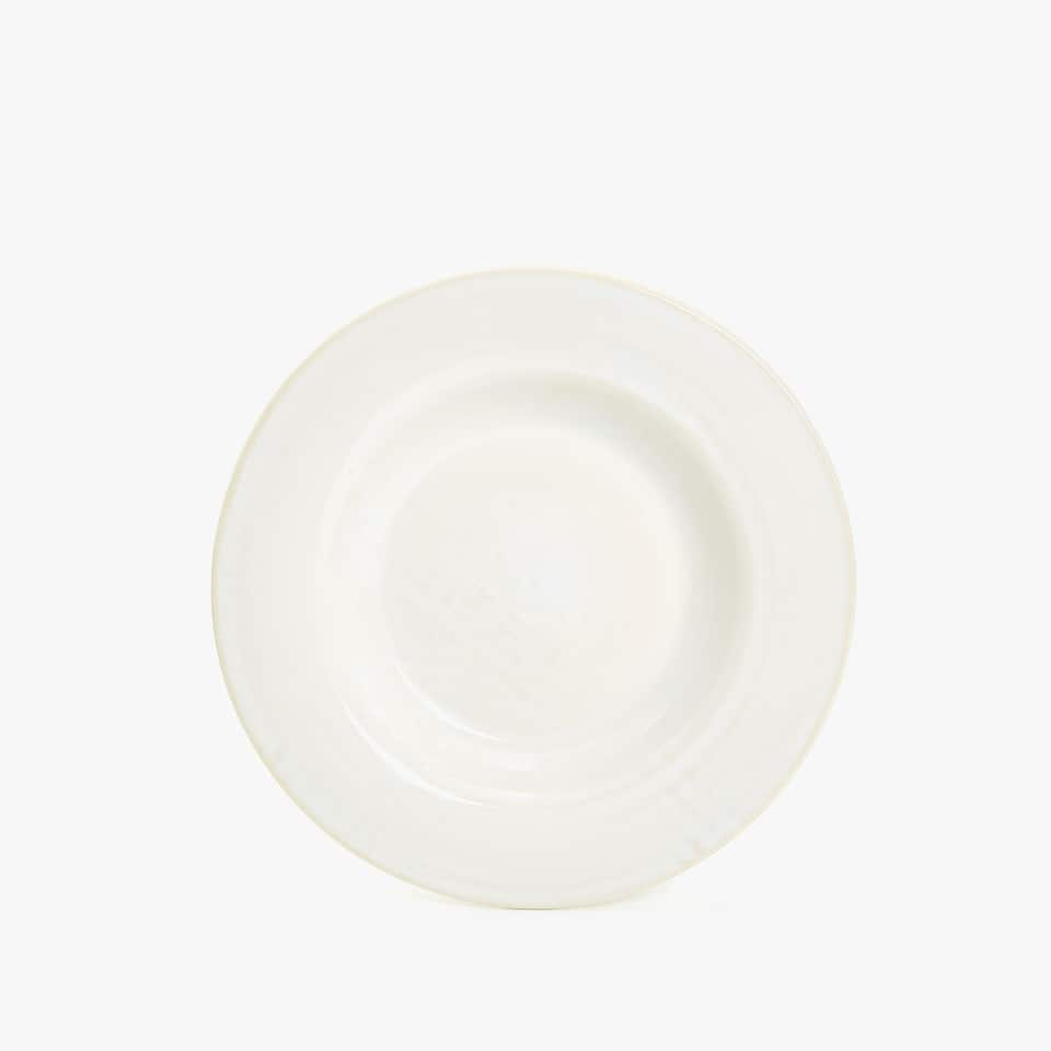 STONEWARE SOUP PLATE WITH RAISED DESIGN