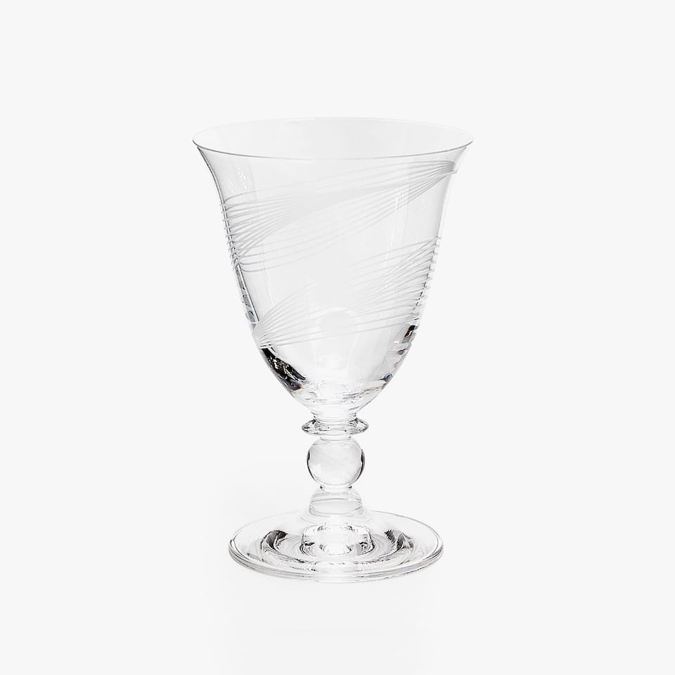 CRYSTALLINE WINE GLASS WITH ENGRAVED LINES