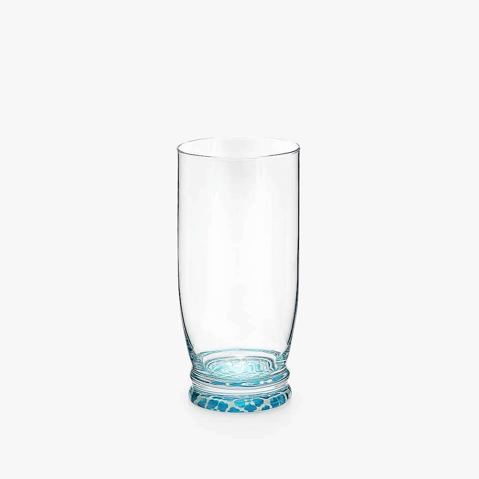 SOFT DRINK TUMBLER WITH BASE DESIGN