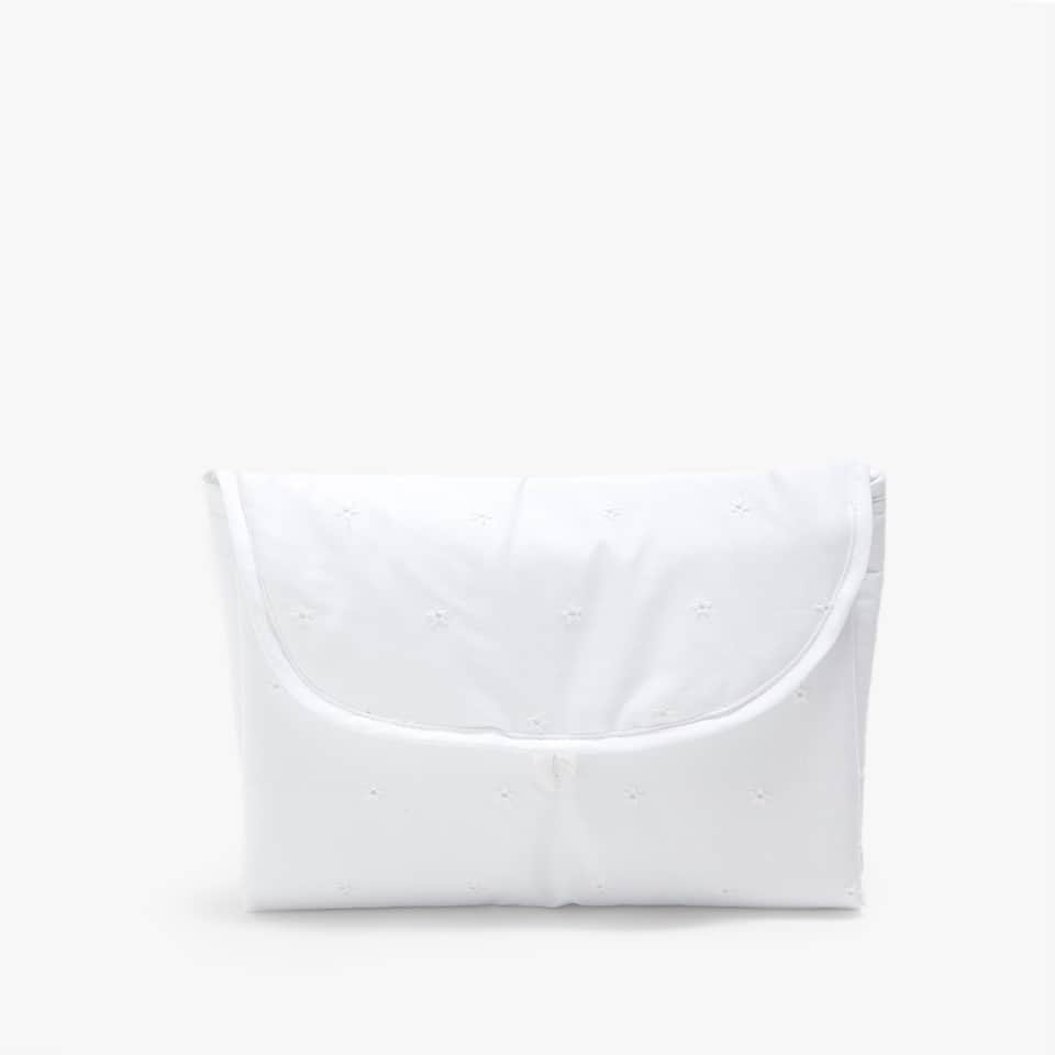 EMBROIDERED COTTON PERCALE CHANGING MAT