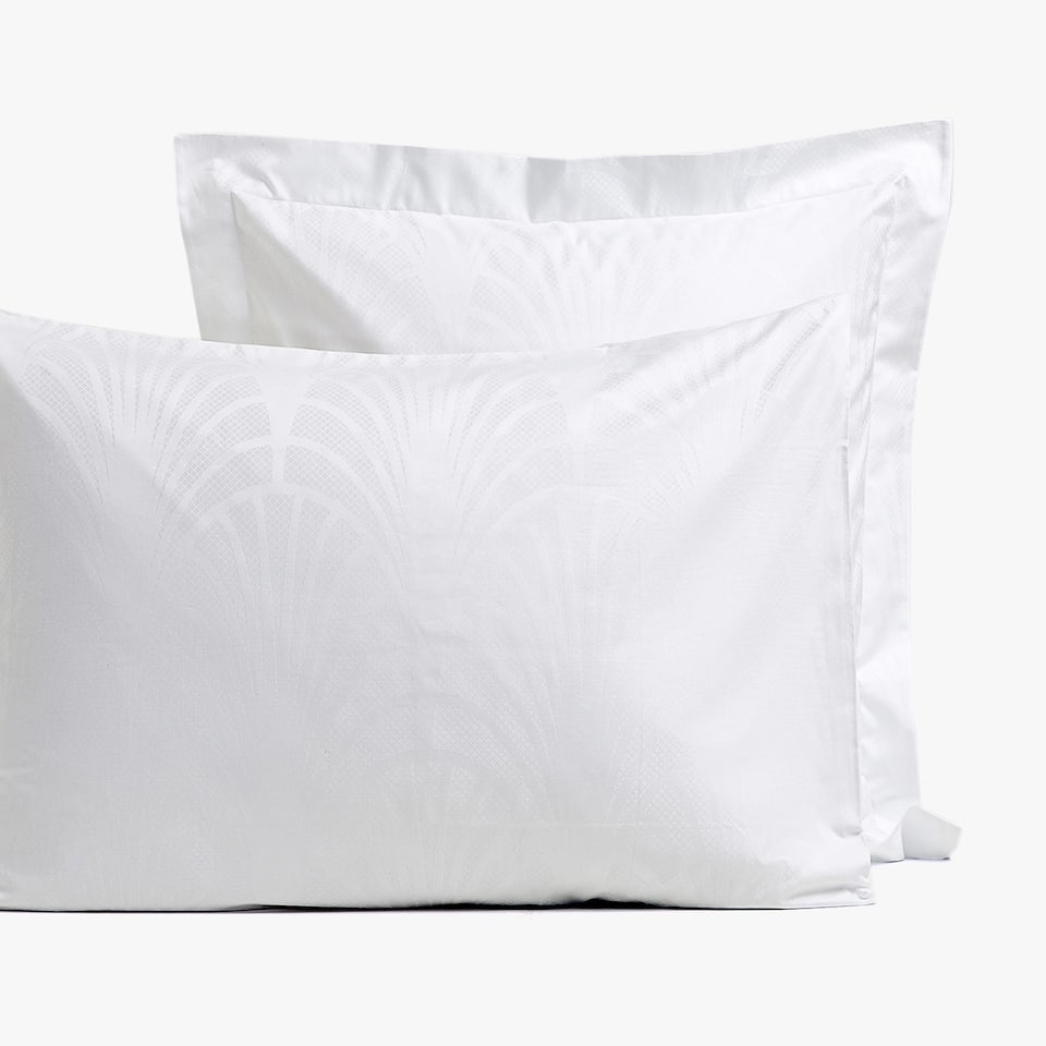 JACQUARD PILLOWCASE WITH ARCH DESIGN