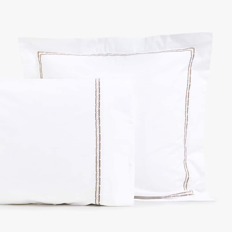 PILLOWCASE WITH EMBROIDERED PLAIT