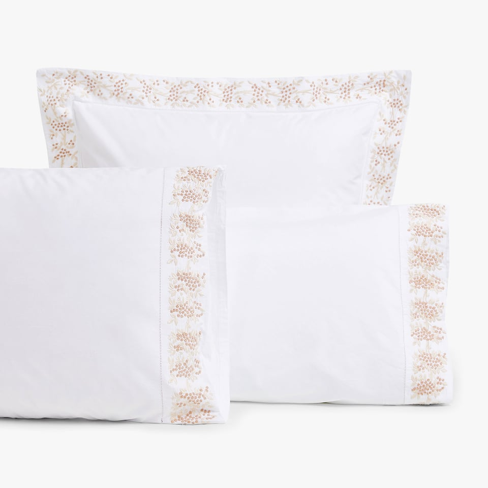 MIMOSA EMBROIDERED PILLOWCASE & Pillow Covers | Zara Home Autumn Winter 2017 Collection pillowsntoast.com