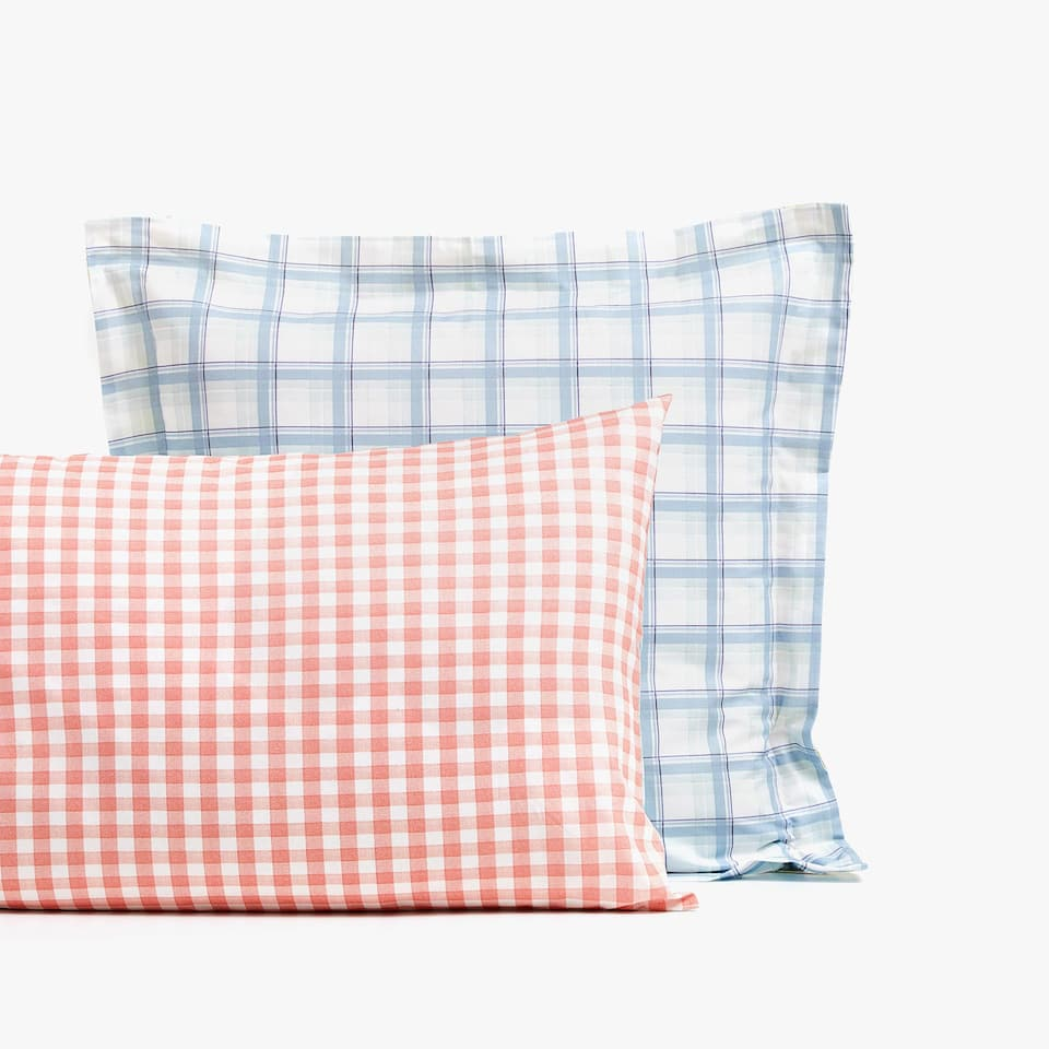 CHECKED PILLOWCASE