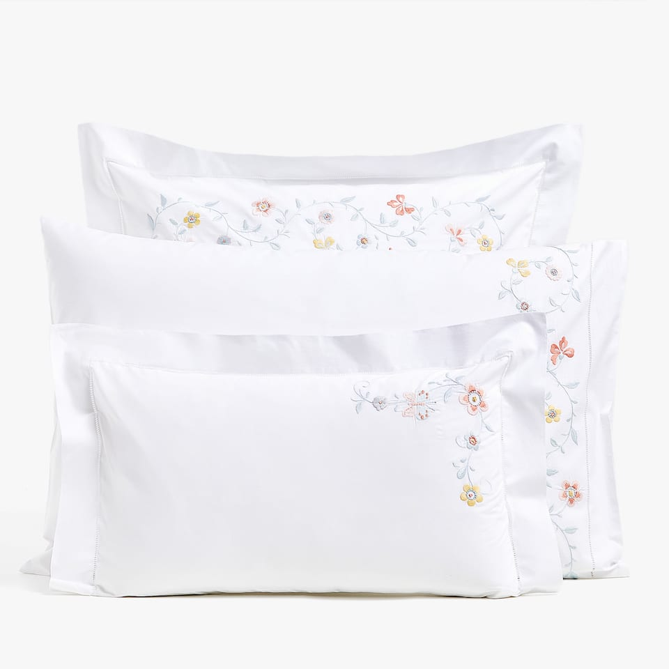 PERCALE PILLOWCASE WITH FLORAL EMBROIDERY