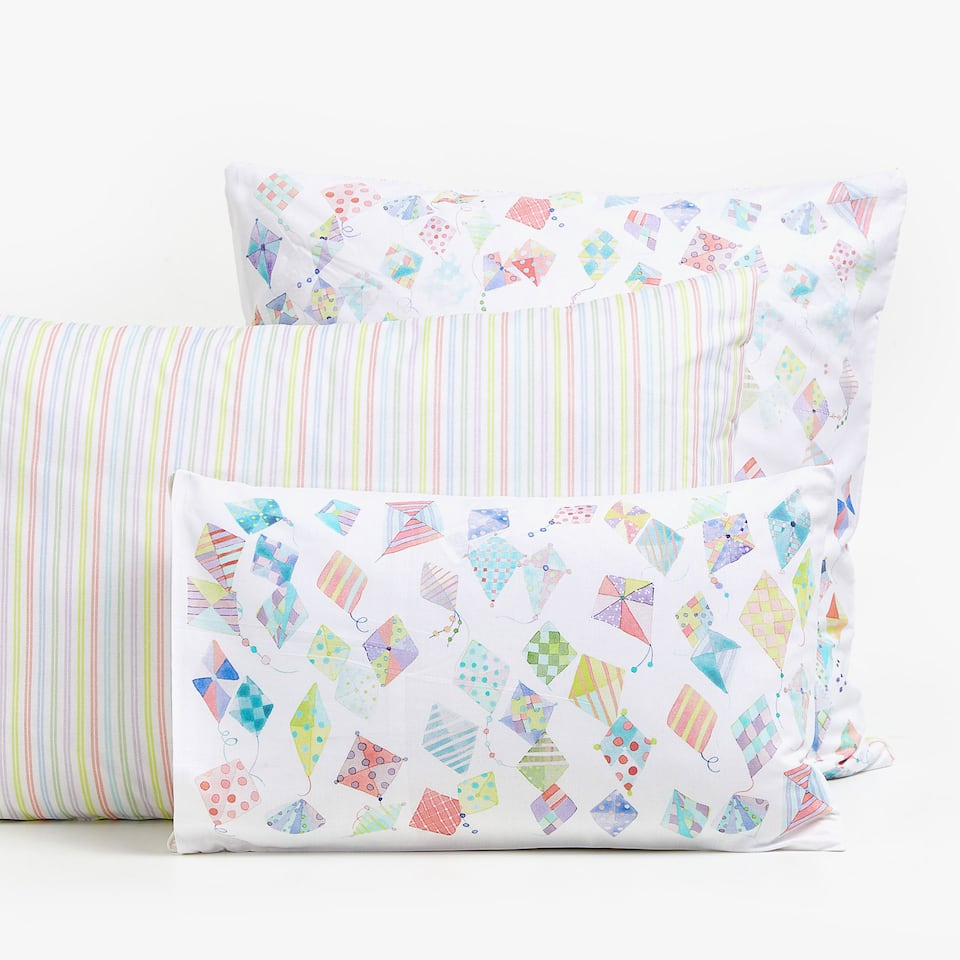 REVERSIBLE KITE PRINT PILLOWCASE