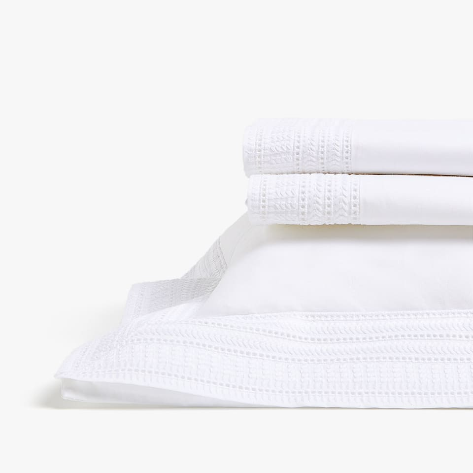 EMBROIDERED PERCALE SHEET SET FOR MOSES BASKET AND MINI COT