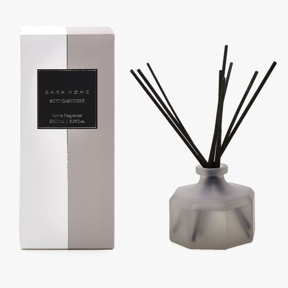 DIFFUSEUR D'AMBIANCE EN STICKS SOFT CASHMERE (200 ML)