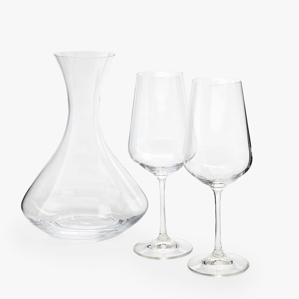 SET OF TWO CHRYSTALLINE WINE GLASSES AND DECANTER