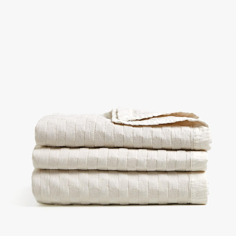 LINEN-EDGED CHECKED FADED COTTON QUILT