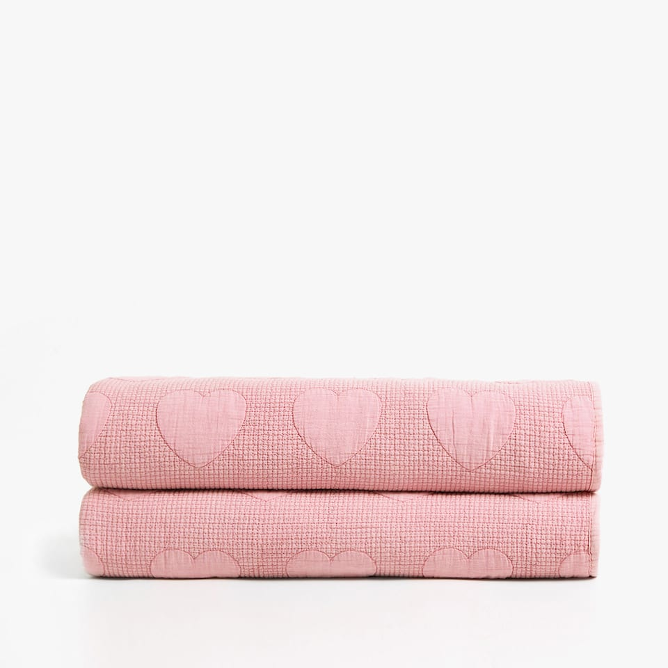 RAISED HEARTS WASHED COTTON BEDSPREAD