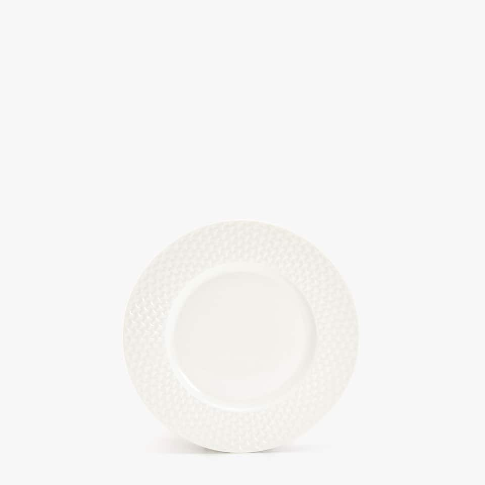 PORCELAIN DESSERT PLATE WITH RAISED-DESIGN RIM