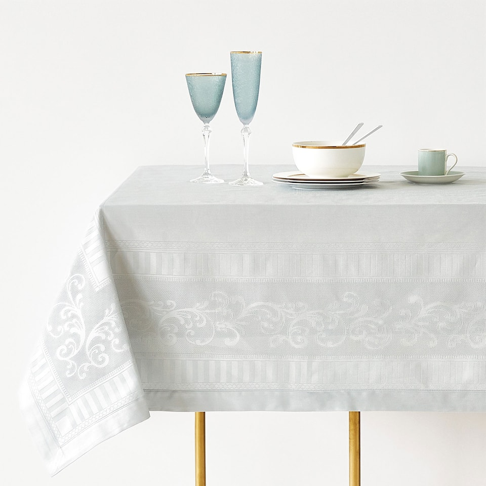 COTTON JACQUARD SATEEN TABLECLOTH