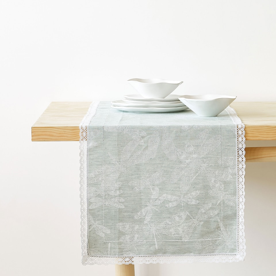 LACE-TRIMMED LINEN AND COTTON JACQUARD TABLE RUNNER