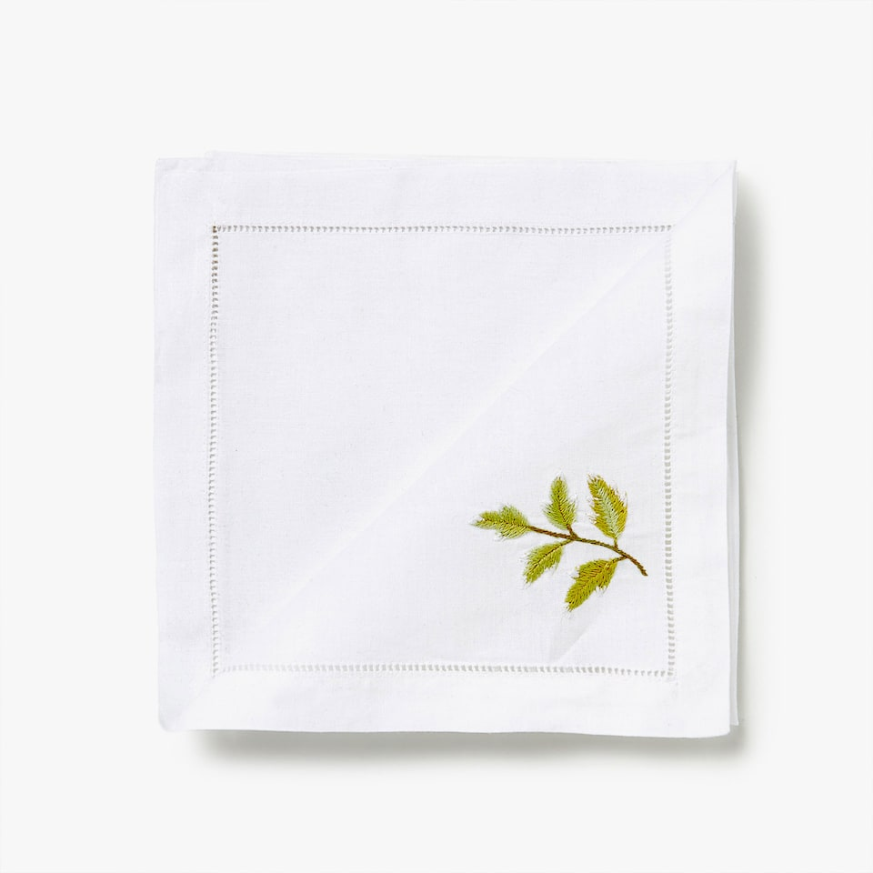 RAMIE AND COTTON NAPKINS WITH EMBROIDERED LEAVES (SET OF 4)