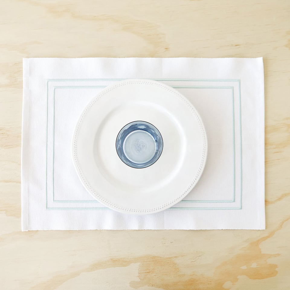 COTTON PLACEMAT WITH DOUBLE SCALLOPED TRIM (SET OF 2)