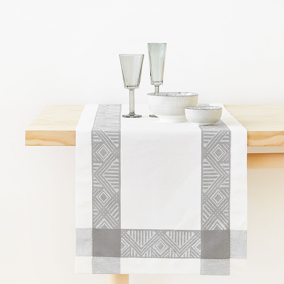 LINEN AND COTTON JACQUARD TABLE RUNNER WITH GREY BORDER