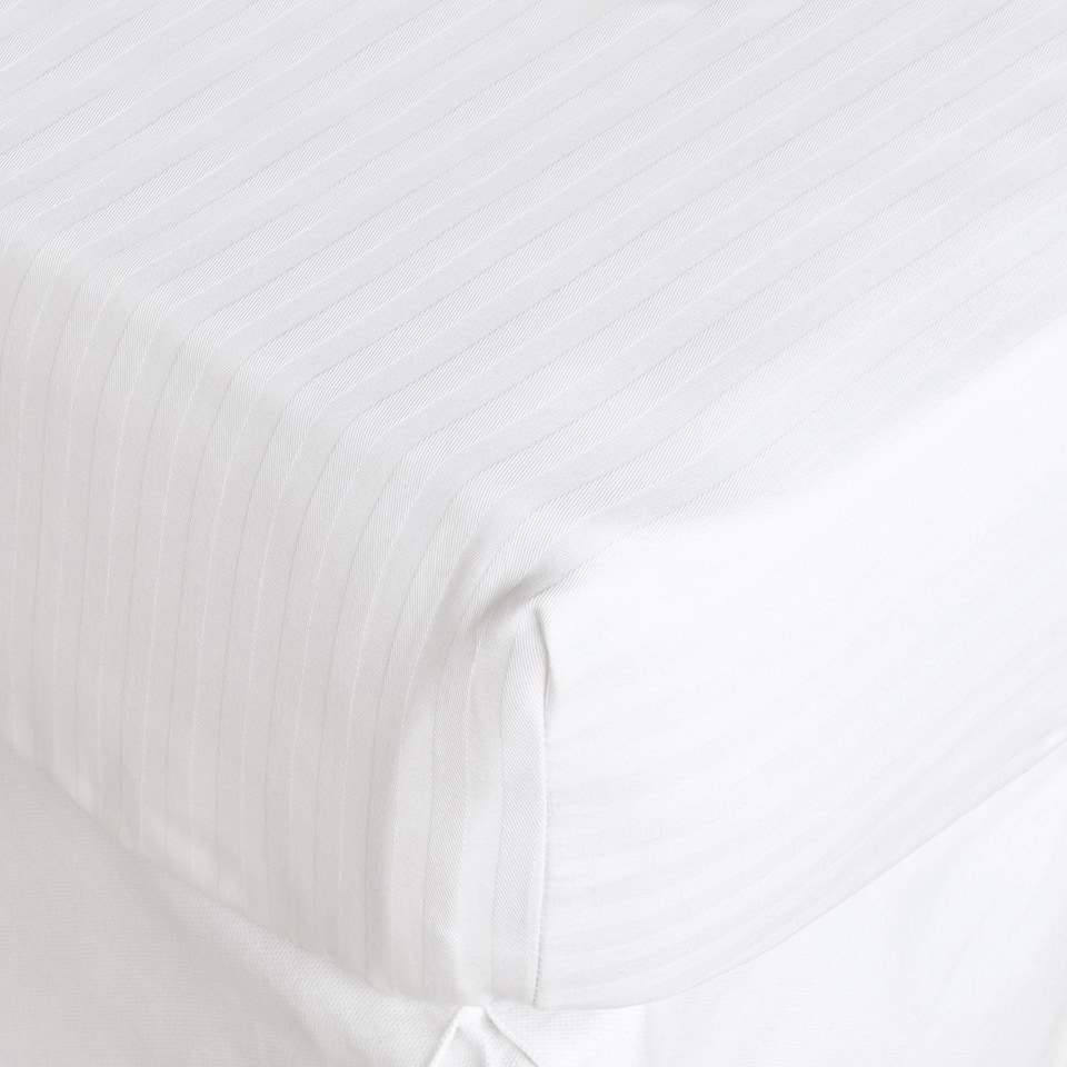 STRIPED COTTON MATTRESS PROTECTOR
