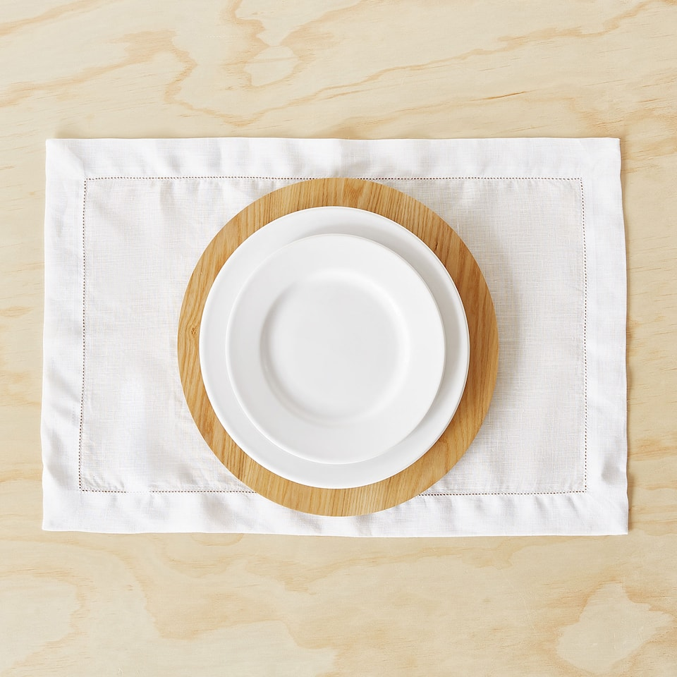 HEMSTITCHED LINEN PLACEMAT