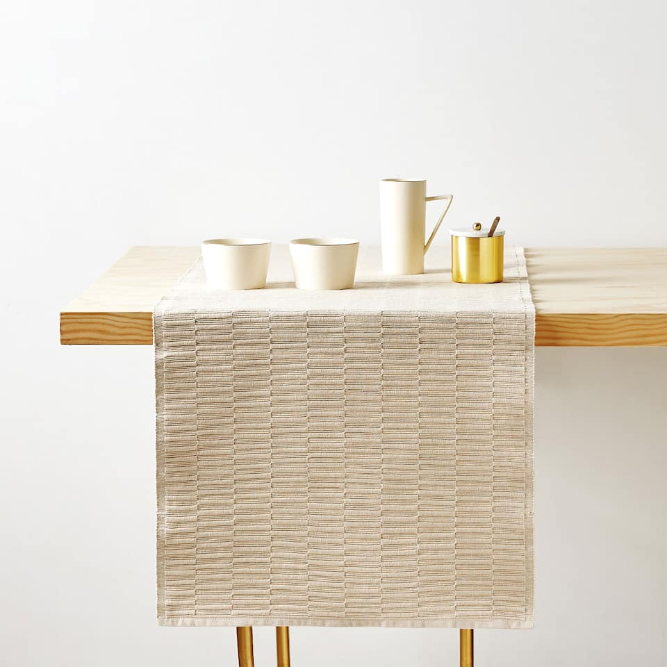 TEXTURED COTTON TABLE RUNNER