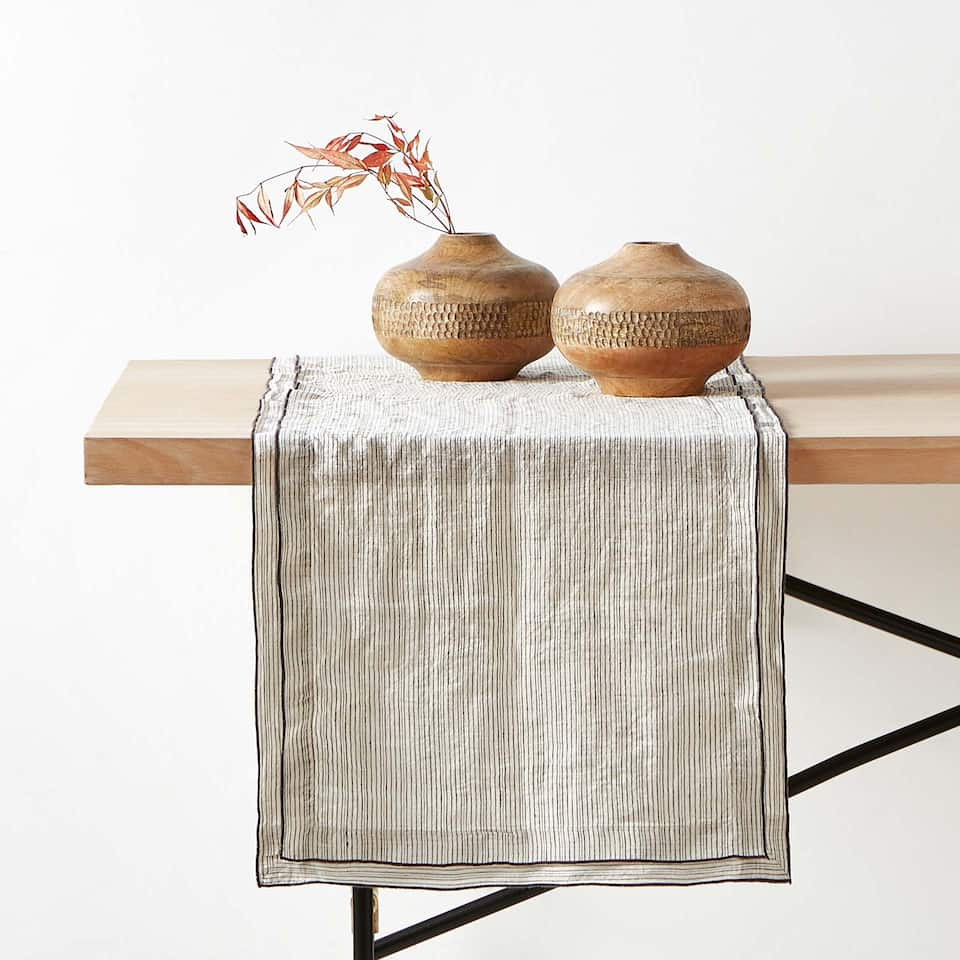 DYED THREAD WASHED LINEN TABLE RUNNER