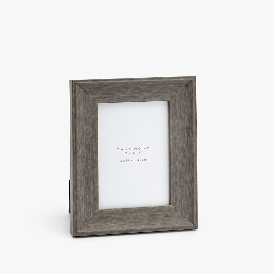 GREY WOOD-EFFECT FRAME