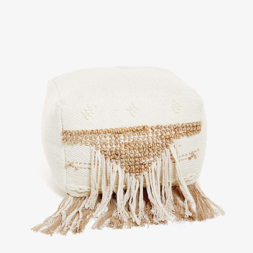 CUBE-SHAPED POUFFE WITH FRINGE