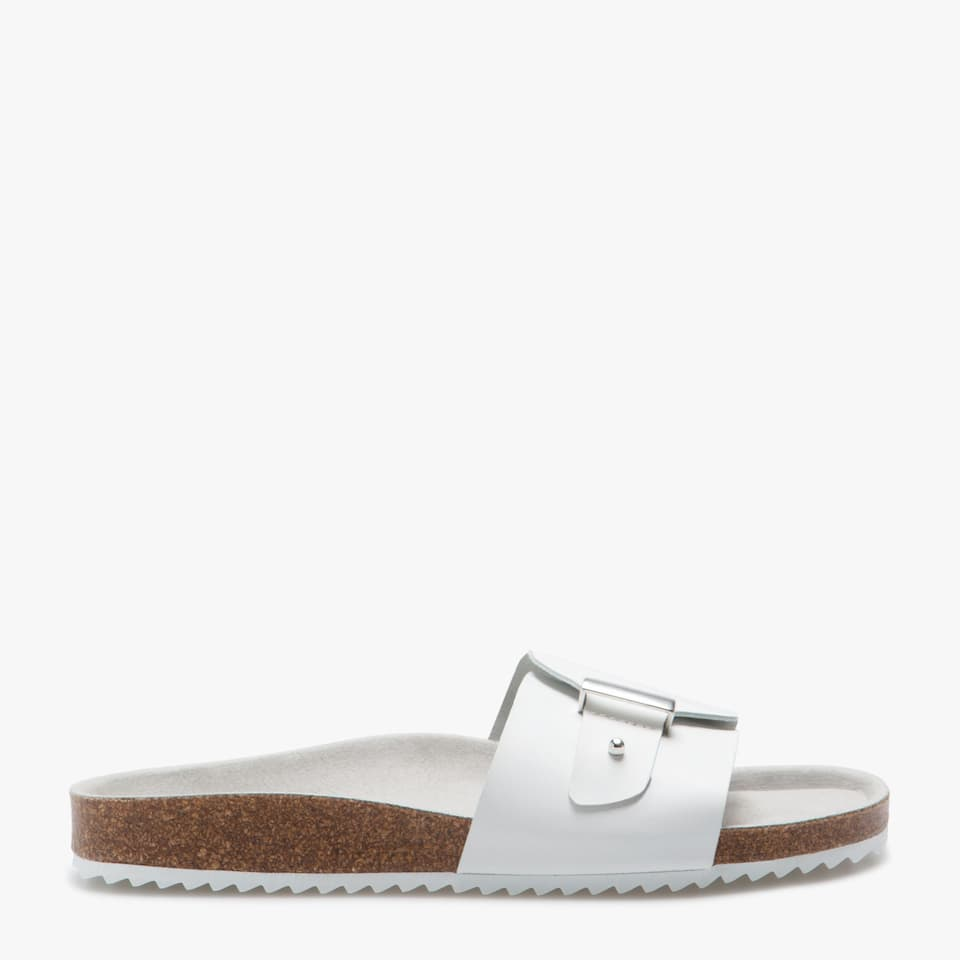 Zara BUCKLED SANDALS