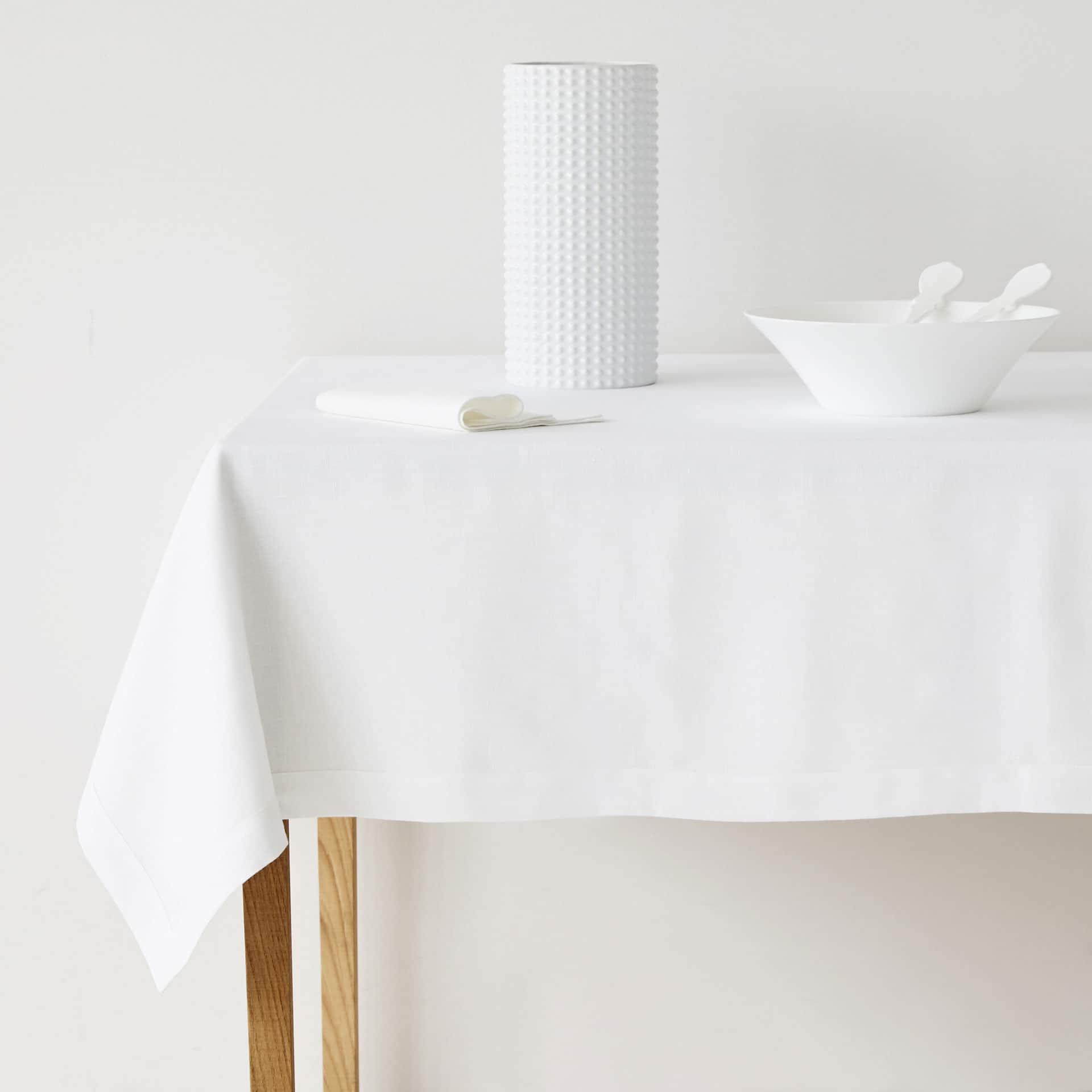 Marvelous + Basic White Linen Tablecloth And Napkin