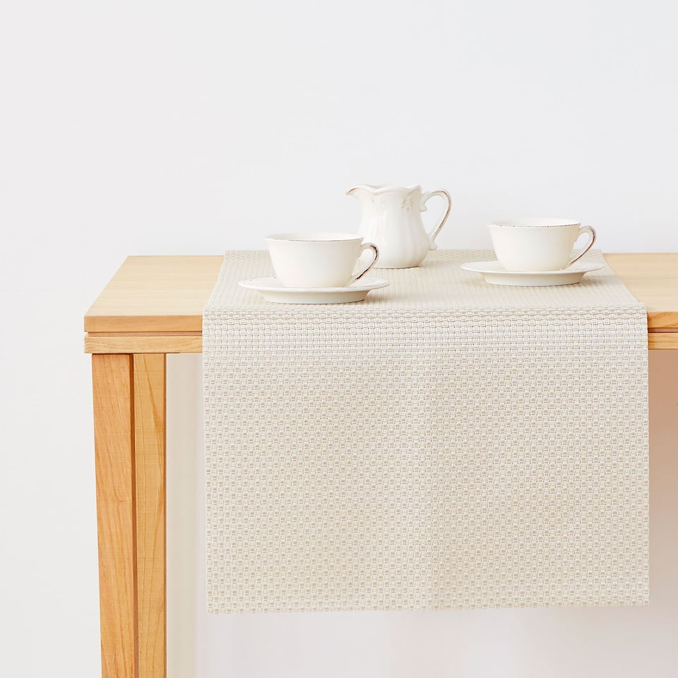 Zara TWO-TONE METALLIC TABLE RUNNER