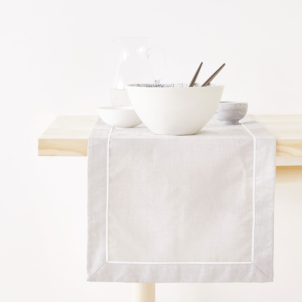 Zara LINEN AND COTTON TABLE RUNNER WITH BORDER