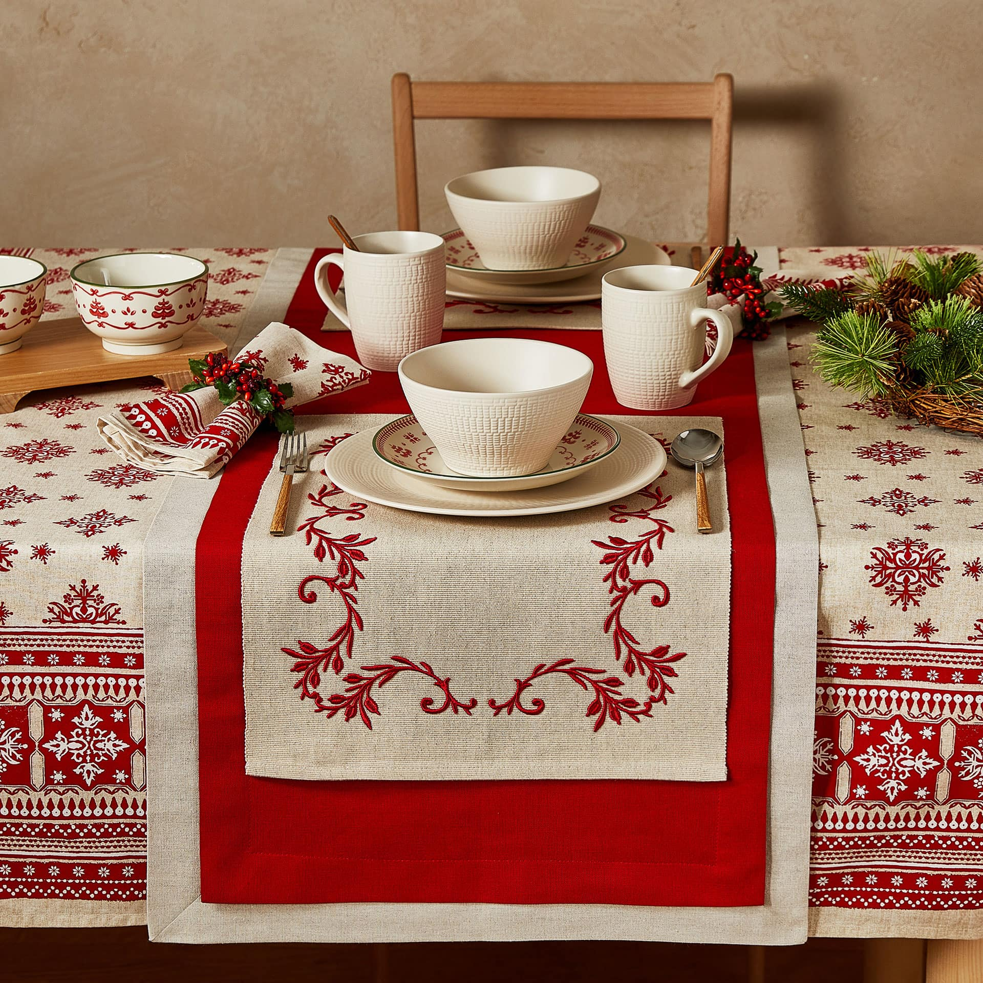 Double layer table runner Place mats and table runners