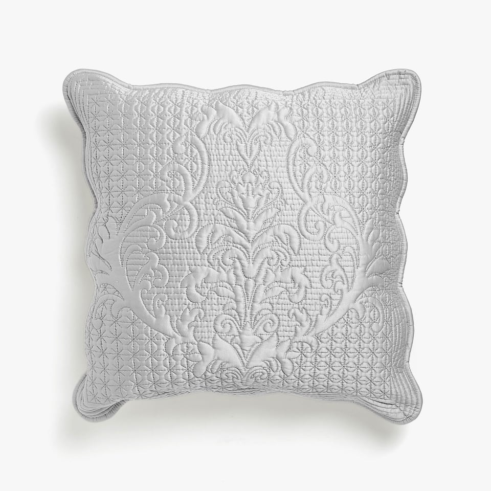 831f6fd9bdbd Zara SCALLOPED-EDGE RAISED DAMASK CUSHION COVER