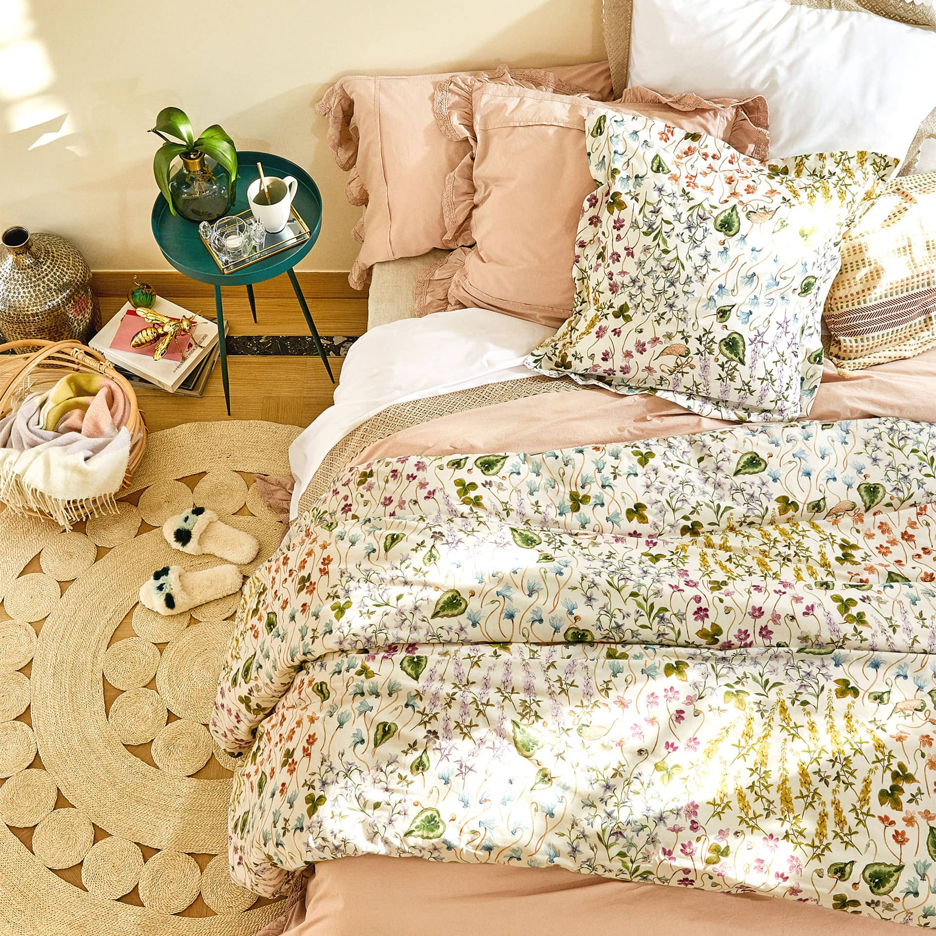 floral and leaf print duvet cover  duvet covers  bedroom  zara  -  image  of the product floral and leaf print duvet cover