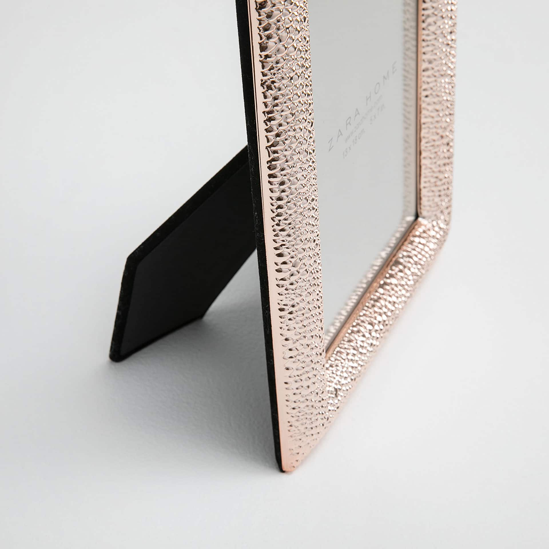 image 2 of the product rose gold hammered frame
