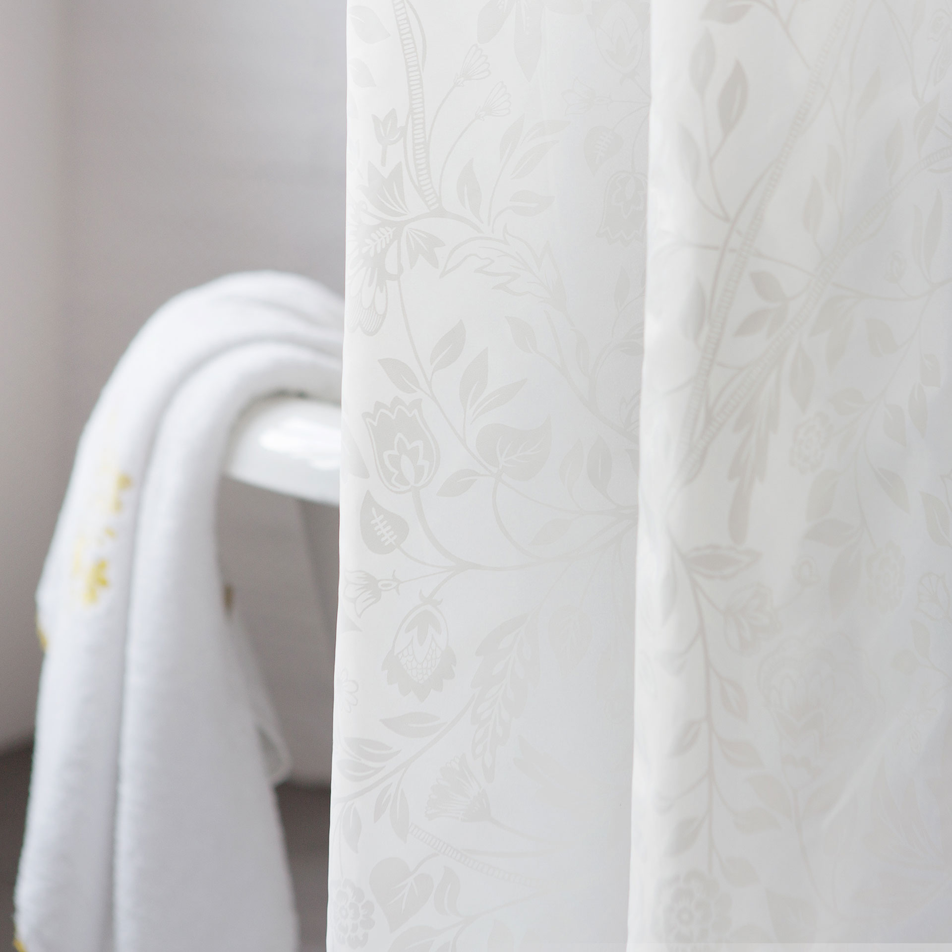 floral shower curtain  shower curtains  bathroom  zara home  -  image  of the product floral shower curtain