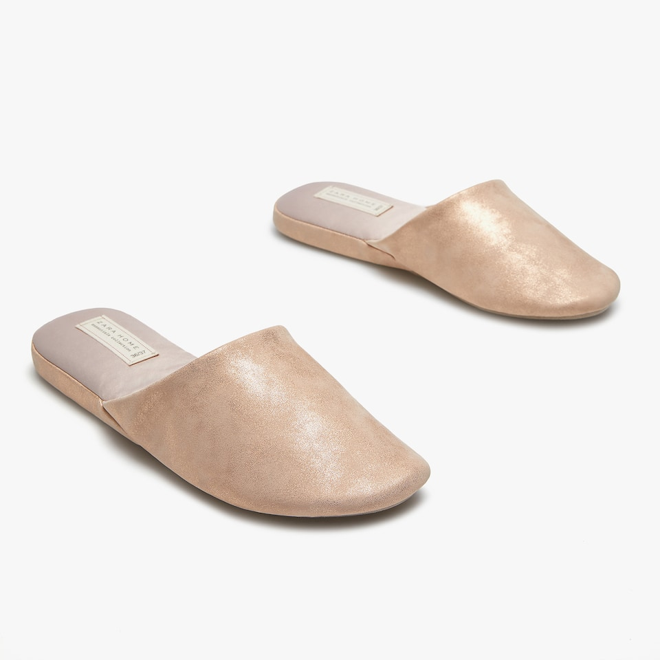 METALLIC SLIPPERS