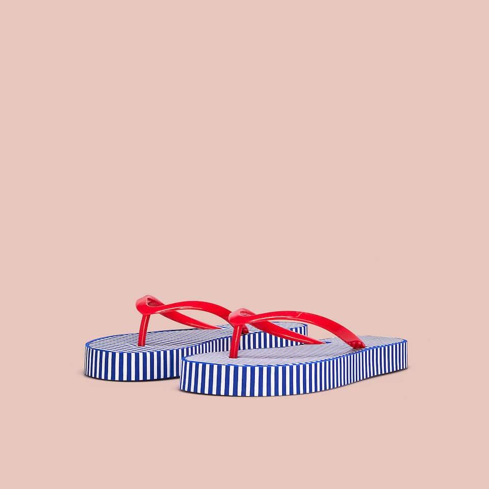Sandalia baño rayas