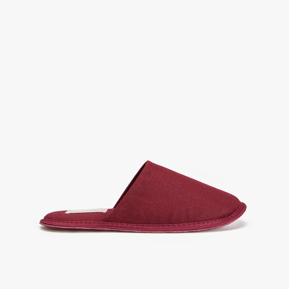 BURGUNDY LINEN SLIPPERS