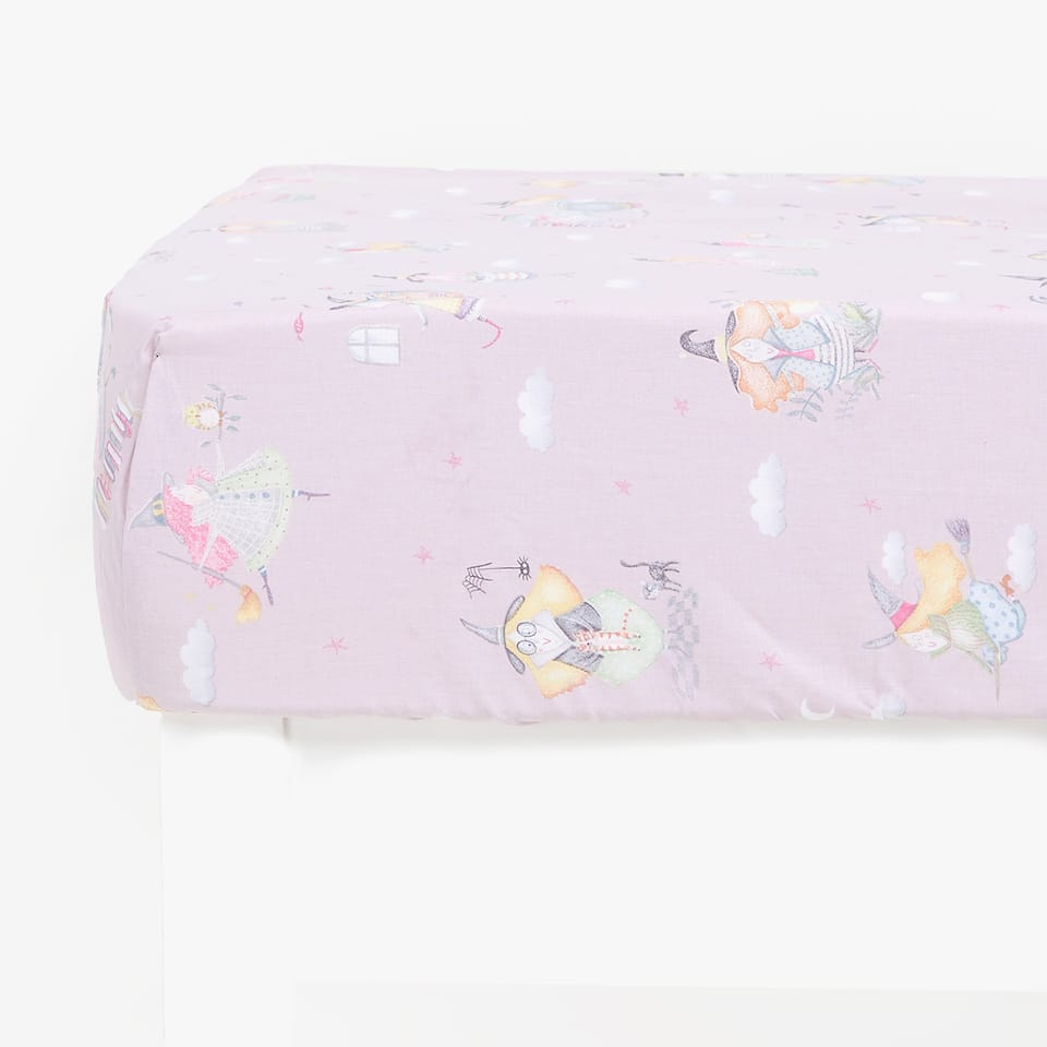 WITCH PRINT FITTED SHEET