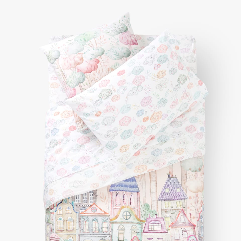 REVERSIBLE HOUSES AND CLOUDS PRINT DUVET COVER