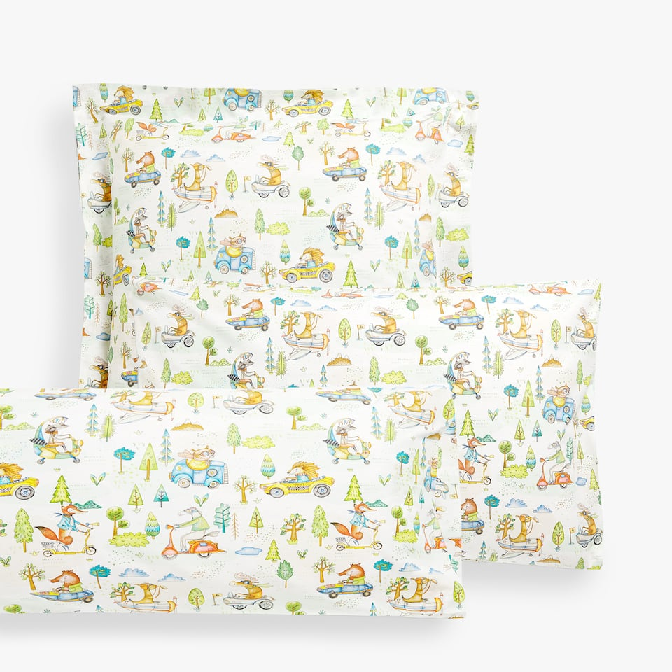 ANIMALS AND CARDS PILLOWCASE